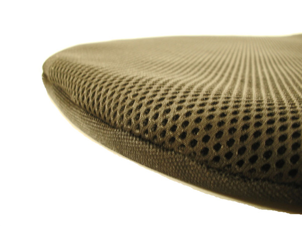 Winter cushion for mesh seat